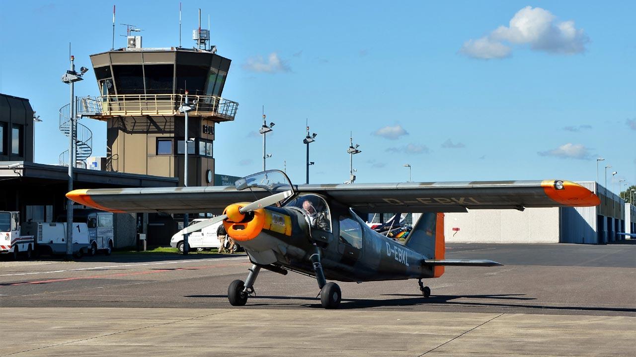 Oldtimer-Flugzeuge zu Gast am Flughafen MGL