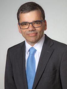 Dr. Claus Schwenzer